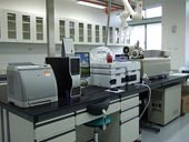 液相層析串聯式質譜儀